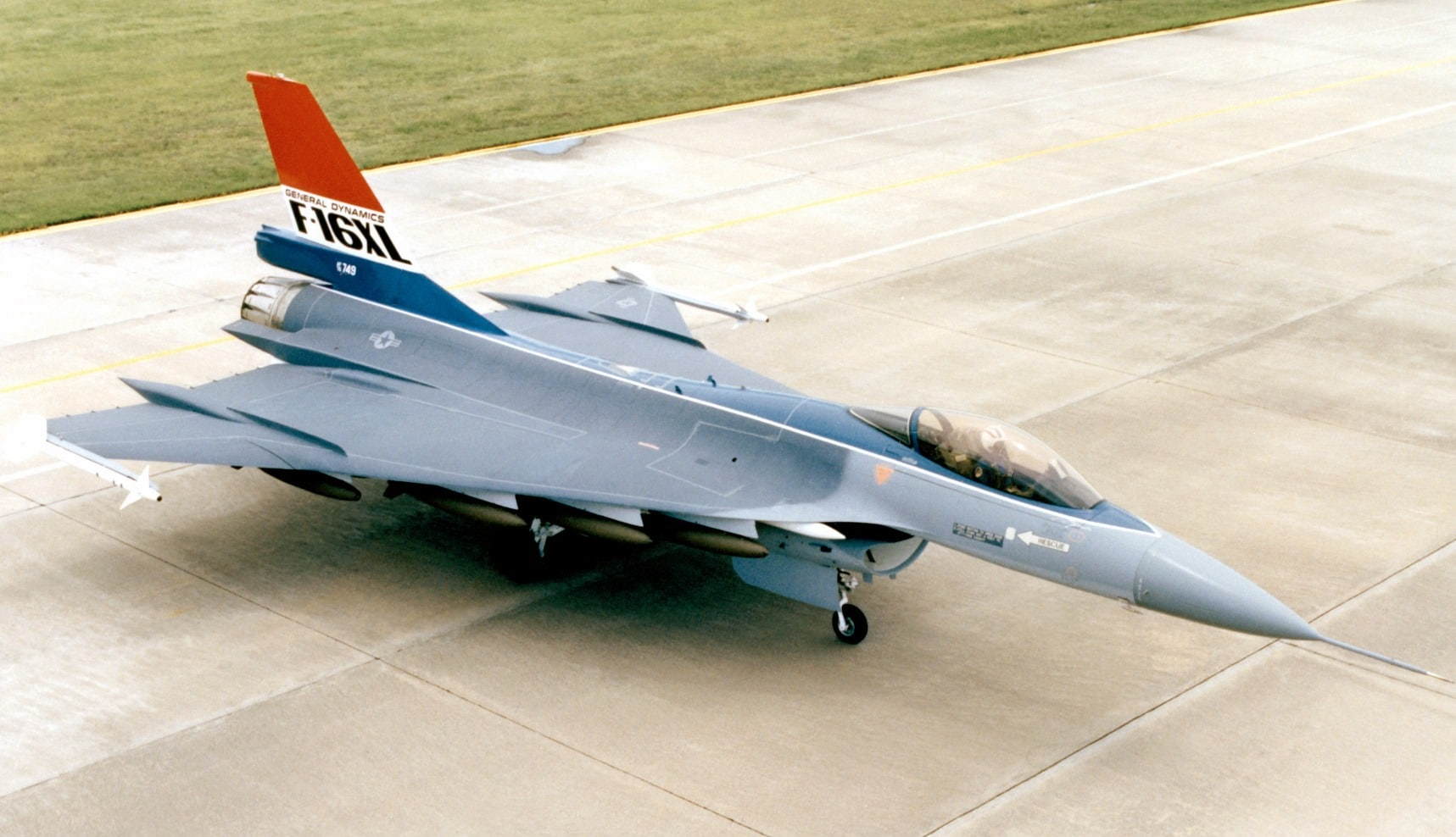 F-16XL_parked_high_angle_view.jpg